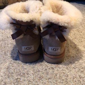 Ugg Chestnut mini bailey bow sheepskin boots 8